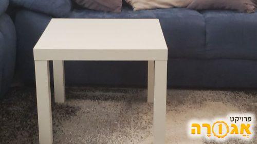 שולחן איקאה קטן