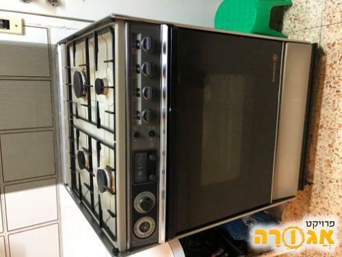 תנור אפיה עם כיריים גז