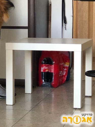שולחן קטן