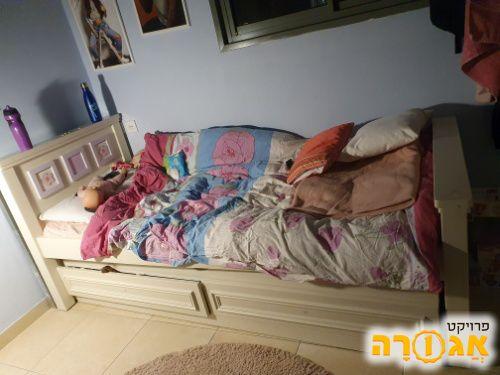 מיטת יחיד- ילדים