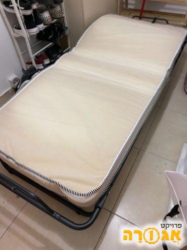 מיטת יחיד מתקפלת