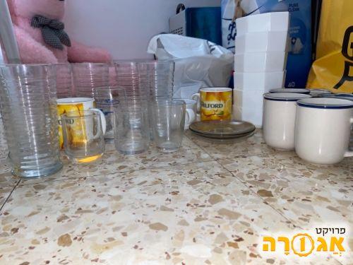 כוסות וקערות
