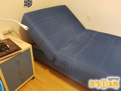 מיטת יחיד מתכוננת