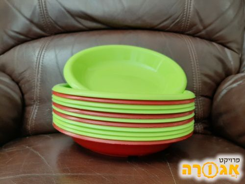 צלחות פלסטיק איכותיות ירוק ואדום