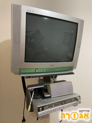 טלוויזיה ומערכת DVD