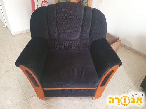 כורסא במצב מעולה למסירה בפתח תקווה