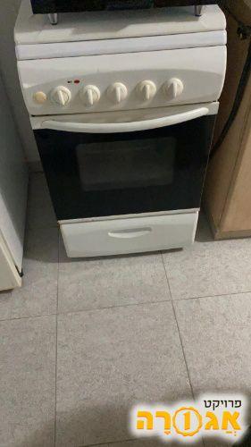 תנור עם כיריים, רק 2 מהם עובדים