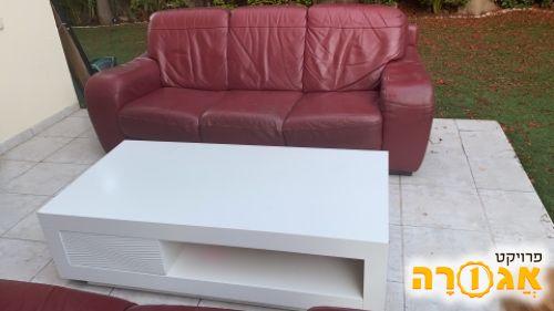 סלון 3+2 מעור ושולחן סלון