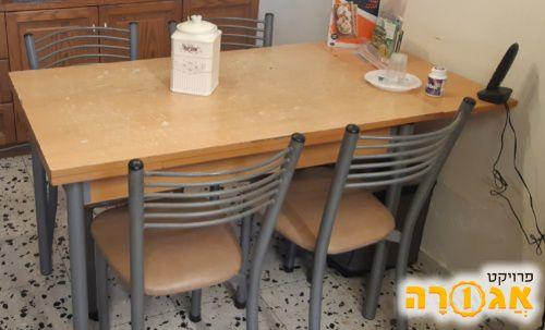שלחן מטבח וכסאות
