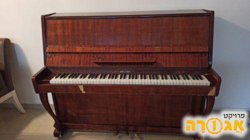 פסנתר, למסירה השבוע, חולון