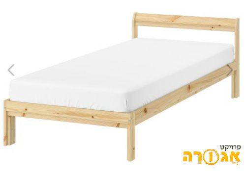 מיטת יחיד ומזרון של איקאה