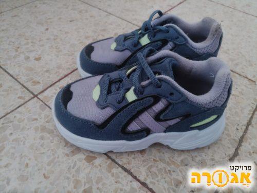נעלי ספורט אדידס ילדות מידה 23